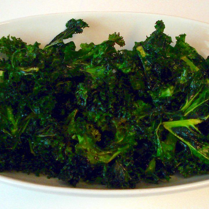 Easy Oven Baked Kale Chips (Paleo, Vegan, Keto)