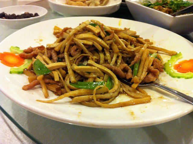 筍尖香干肉絲 (Shredded Pork w/ Dry Tofu & Bamboo Shoot)