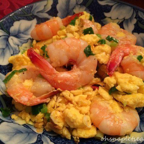 Chinese Stir Fry Shrimp with Eggs (蝦仁炒蛋)