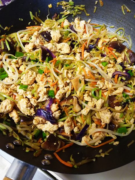 Paleo Chicken Egg Roll Bowl