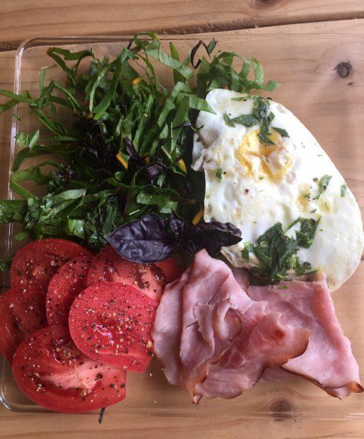 Paleo Breakfast Salad with Simple Vinaigrette